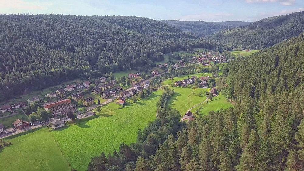 Ferienhaus Enztalblick in Enzklösterle im Nordschwarzwald - Wandervorschlag Heidelbeerweg in Enzklösterle - Enzpromenade