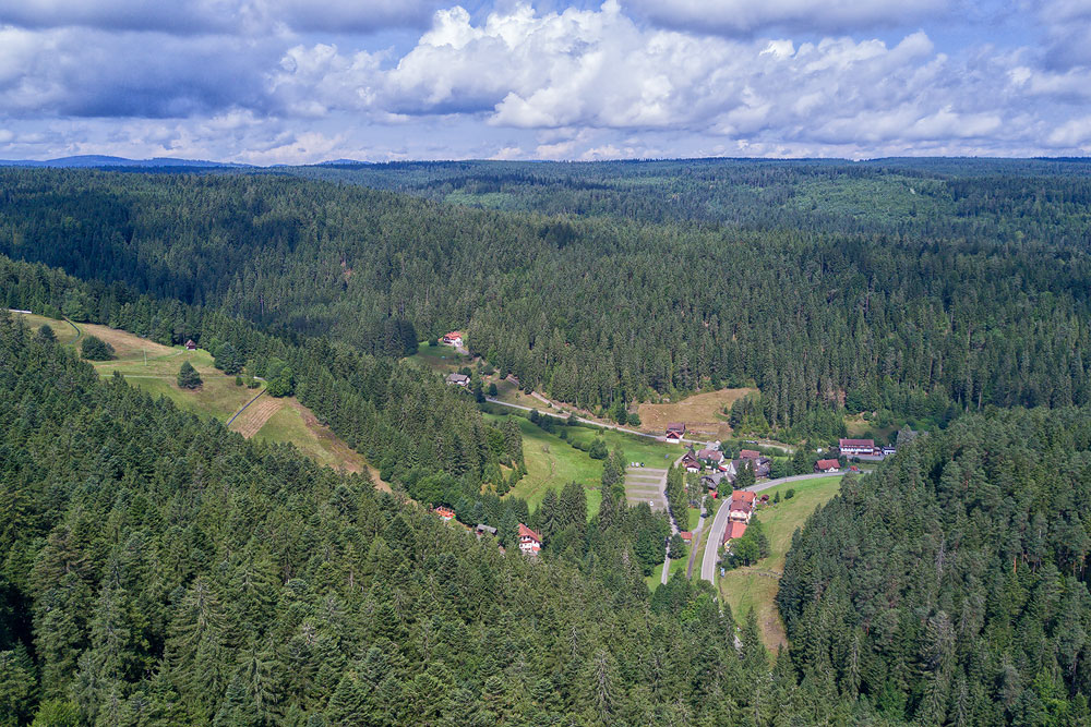 Ferienhaus Enztalblick in Enzklösterle im Nordschwarzwald - Wandervorschlag Poppelsee - Der Ortsteil Poppeltal