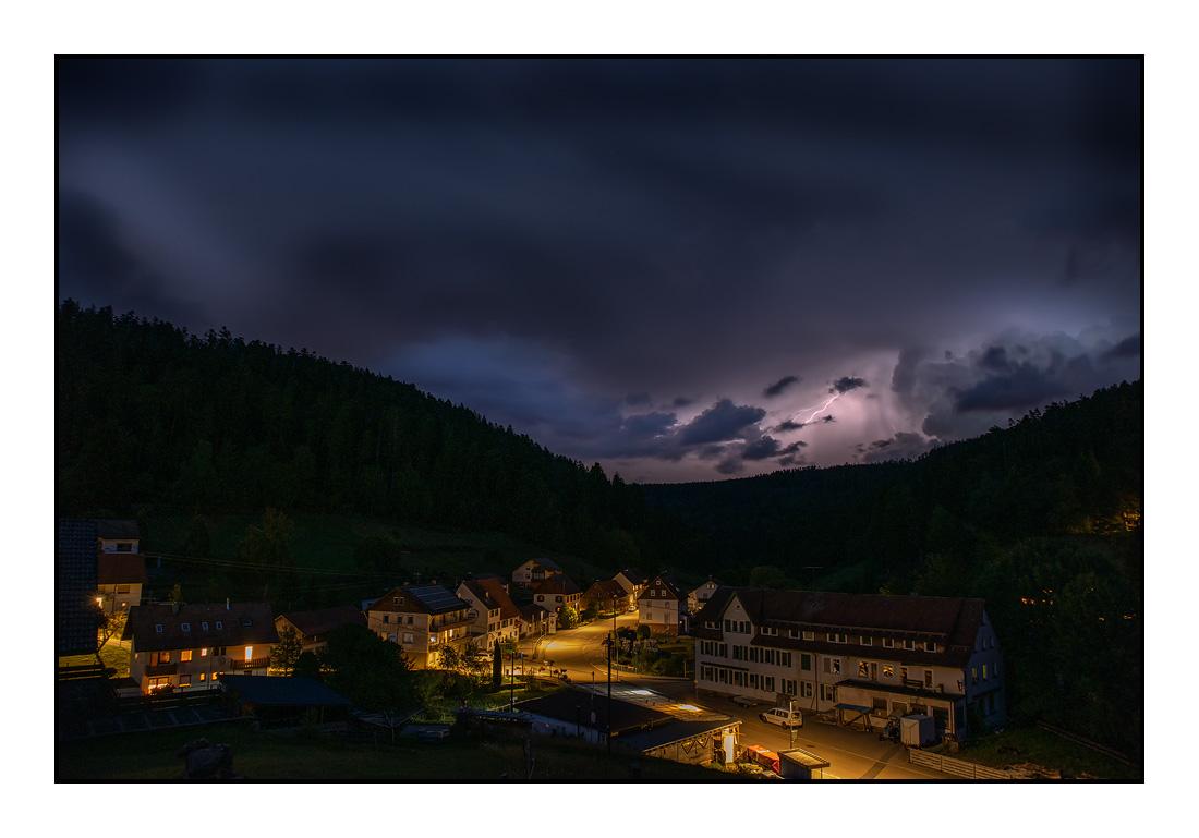 Ferienhaus Enztalblick - Unsere Natur im Nordschwarzwald - Gewitter & Wetterleuchten im oberen Enztal